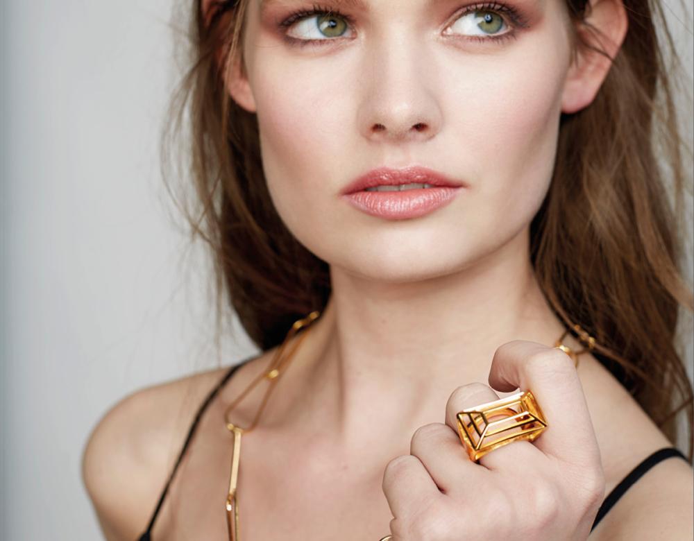 https://alanjacksondesign.co.uk/wp-content/uploads/2021/09/butterfly-diamonds-img2.jpg